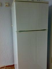 Продам холодилник двухкамерныий Днепр